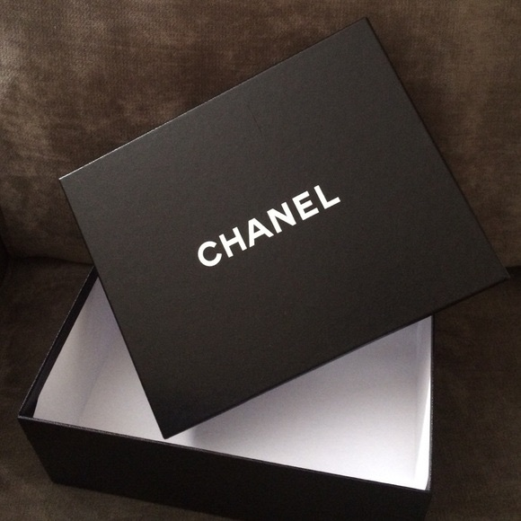 CHANEL Box & Dust Bag